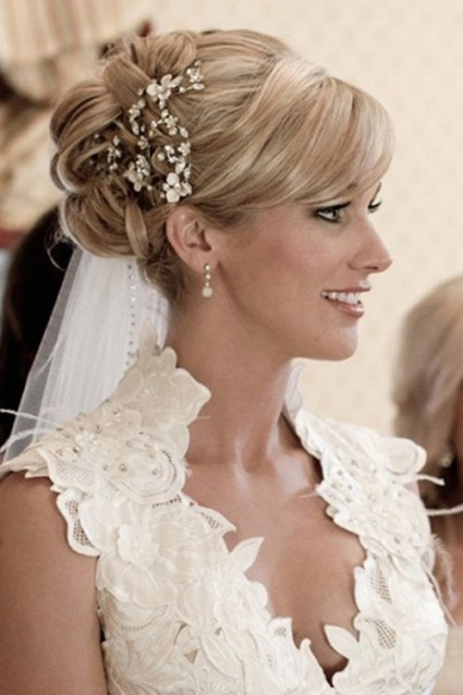 16 Beautifully Chic Wedding Hairstyles For Medium Hair - Pretty Designs intended for New Wedding Updos For Medium Hair fg8