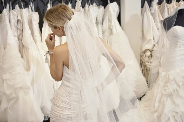 6 Tips For Wedding Dress Shopping With The Wedding Factor | Philly Pertaining To Elegant Wedding Dress Shopping Dt3