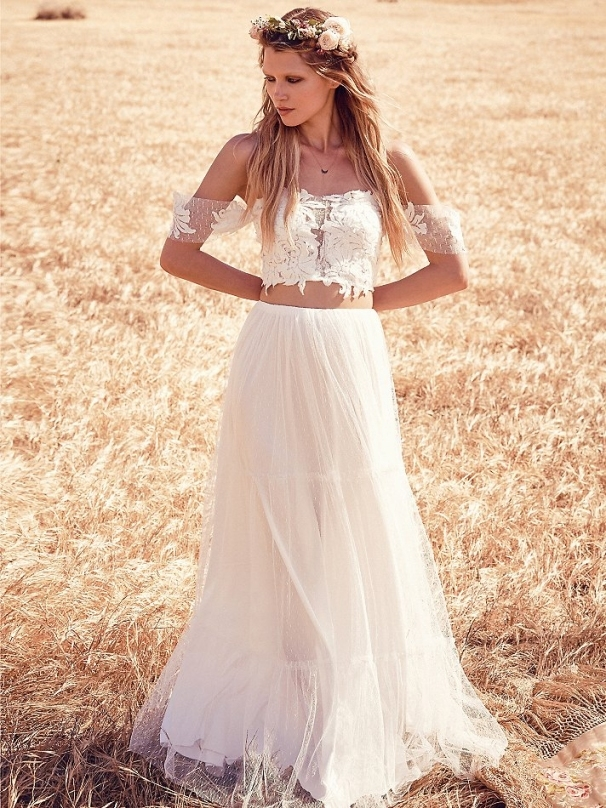Boho Chic Wedding Dresses For Summer 2018 | Fashiongum With Lovely Bohemian Style Wedding Dresses Ty4