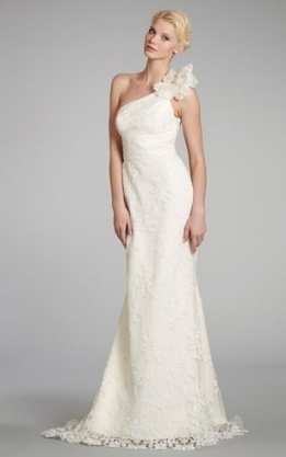 Cheap One Sleeve Shoulder Wedding Gowns | One Long Sleeved Bridal Throughout One Shoulder Wedding Dress