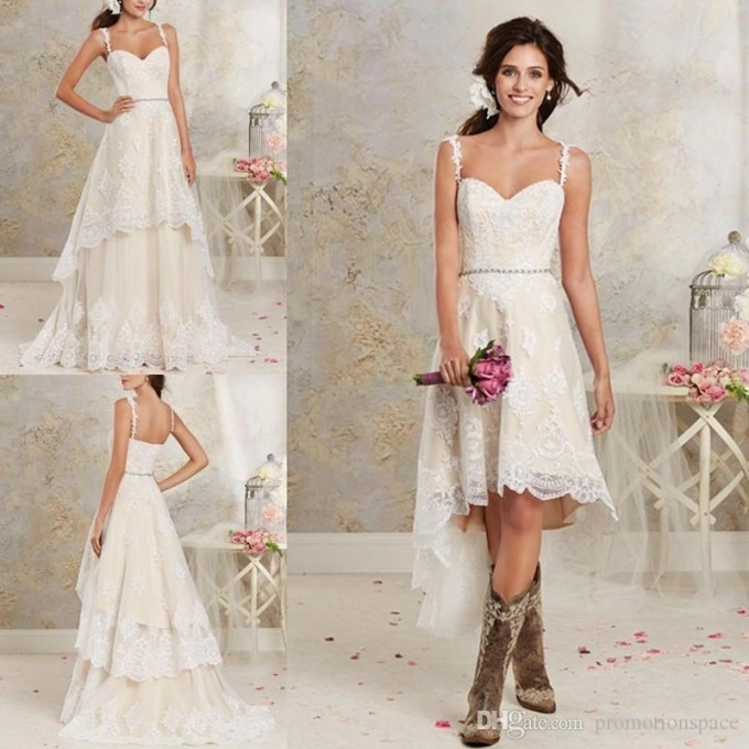 Traditional Wedding Gowns With Detachable Trains: Traditional Wedding Dress