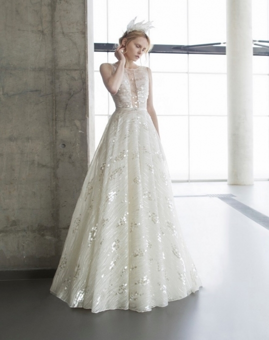 Elegant Wedding Dresses: Runway Trends   Modwedding Regarding Beautiful Elegant Wedding Dresses Sf8