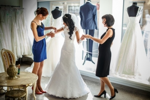 Guest Blog: 8 Wedding Dress Shopping Mistakes Brides Need To Avoid With Regard To Elegant Wedding Dress Shopping Dt3