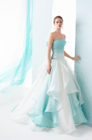 Iamnotreallyintofashion: Le Rose & Spose Co. This Would Be Beautiful For Lovely Teal Wedding Dresses Sf8
