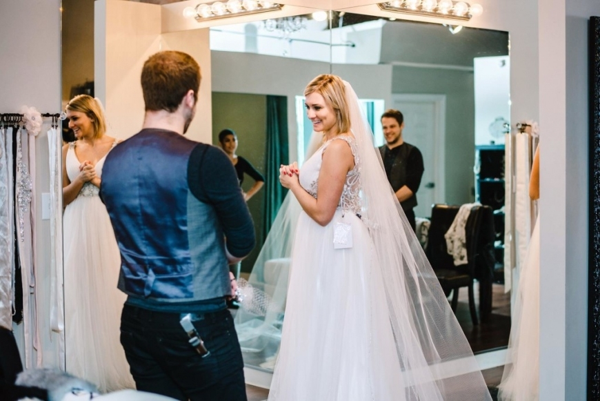 Maid Of Honor Etiquette For Wedding Dress Shopping   Love Maggie In Wedding Dress Shopping
