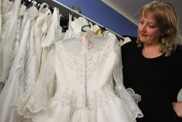 Second Hand Wedding Dresses Tour Queensland For Budget Conscious Within Awesome Consignment Wedding Dresses Dt3