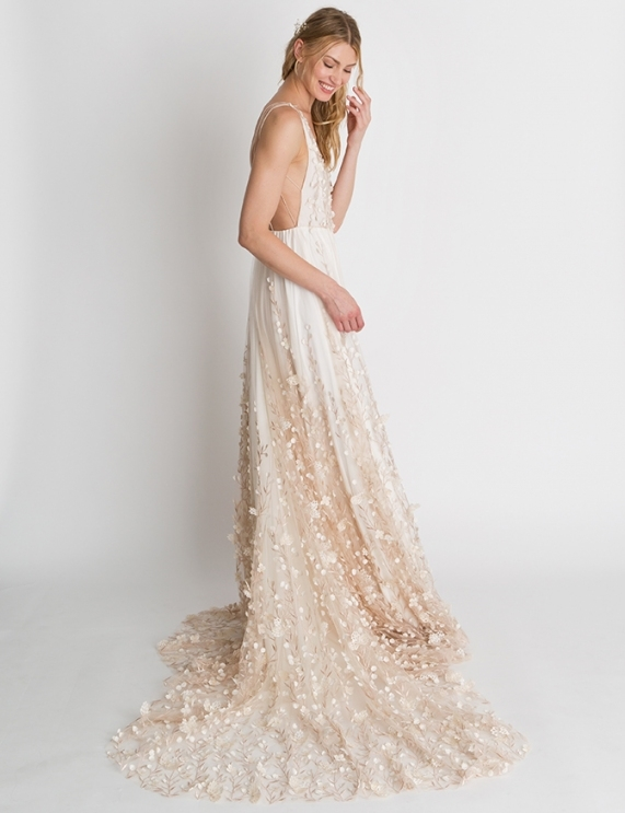 Wedding Dresses And Gowns Bridal Shop Houston | Lovely Bride In Wedding Dresses Houston