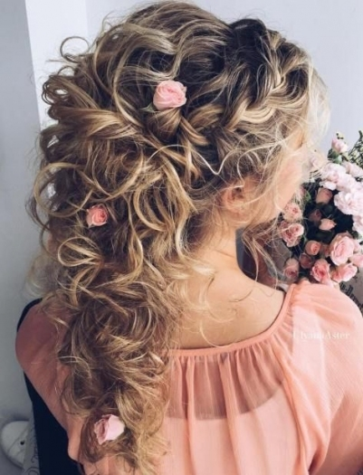 20 Soft And Sweet Curly Wedding Hairstyles In 2018 | Wedding Regarding Awesome Half Updos For Long Hair Wedding Kc3
