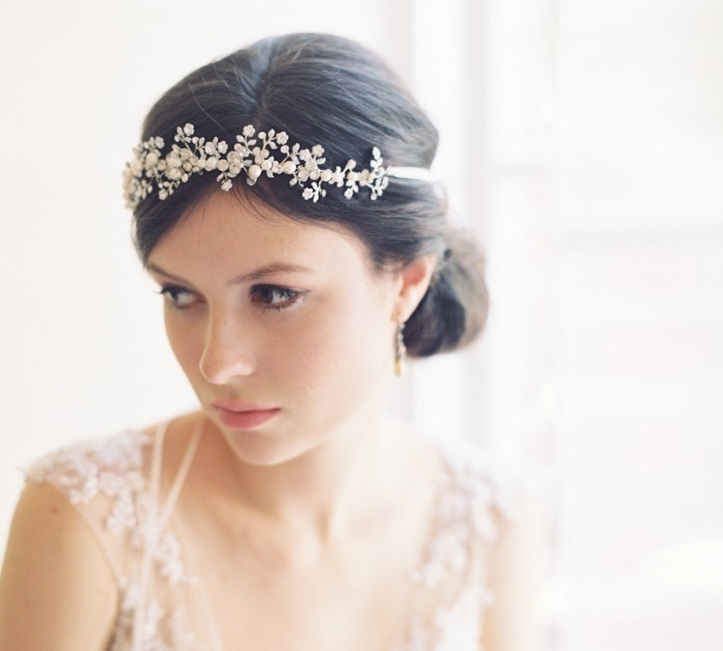 25 Perfect Hair Accessories For A Vintage Bride : Chic Vintage Brides Intended For Elegant Vintage Wedding Hair Piece Dt3