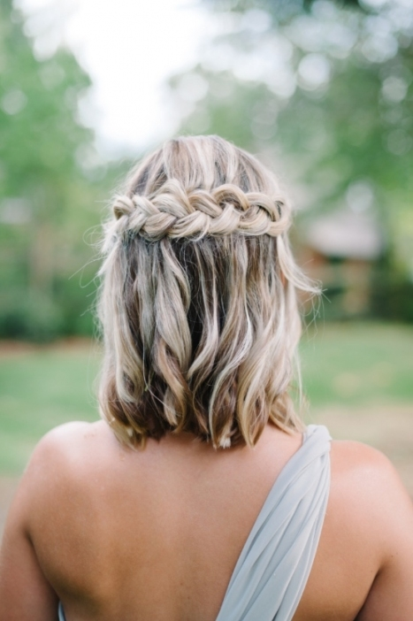 30 Bridesmaid Hairstyles Your Friends Will Actually Love   A Pertaining To Wedding Hair For Medium Hair