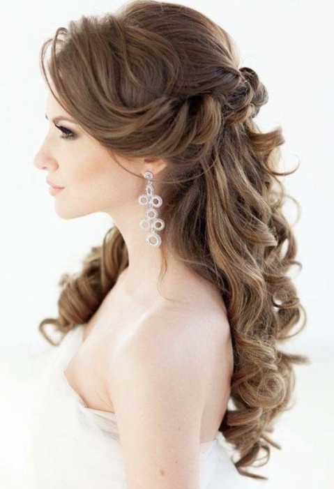 34 Beautiful Wedding Hairstyles With Curls   Weddingomania For Awesome Half Updos For Long Hair Wedding Kc3
