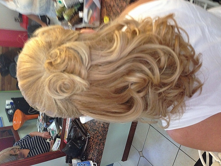 Curly Hairstyles. Luxury Wedding Hairstyles For Long Curly Hair Half Inside Half Updos For Long Hair Wedding