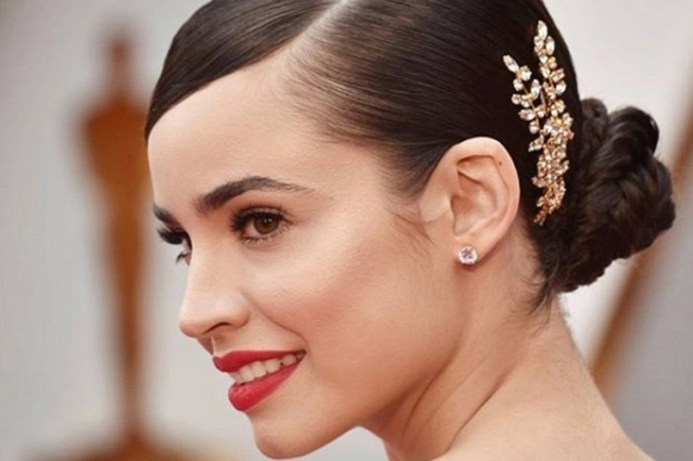 Sleek, Sexy & Sparkling: 8 Red Carpet Worthy Wedding Hairstyles Throughout New Sexy Wedding Hair Klp8