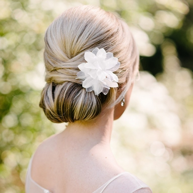 Wedding Hairstyles: 8 Luxe Looks Suited To Every Bridal Style | Brides In Elegant Hair Style For Weddings Dt3