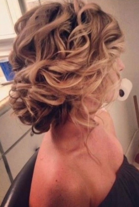 30 Hottest Bridesmaid Hairstyles For Long Hair   Popular Haircuts For Unique Long Hair Styles For Weddings Kc3