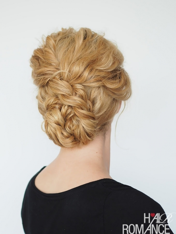33 Modern Curly Hairstyles That Will Slay On Your Wedding Day | A in Wedding Updos For Shoulder Length Hair