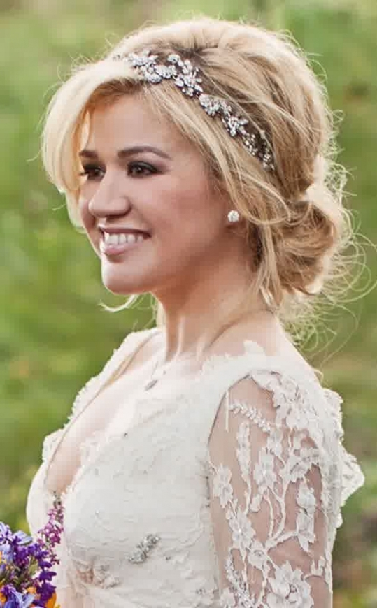 35 Elegant Wedding Hairstyles For Medium Hair   Haircuts Intended For Best Of Wedding Updos For Shoulder Length Hair Sf8