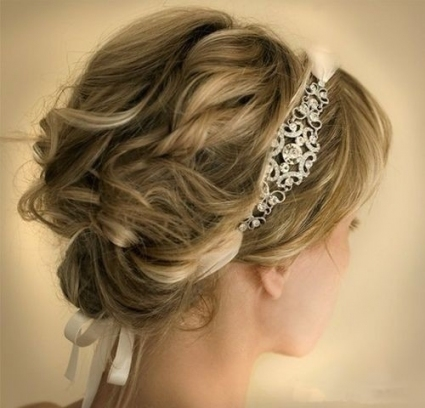 8 Swanky Wedding Updos For Short Hair | Styles Weekly Throughout Fresh Wedding Updo For Short Hair Dt3