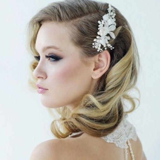 Perfect Bridal Hairstyles For Medium Hair 70 In Wedding Hairstyle Within Wedding Hairstyle For Medium Hair