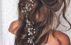 Wedding Hair Ideas For Brides Who Don't Want An Updo – Livingly inside Unique Wedding Hair Dos dt3