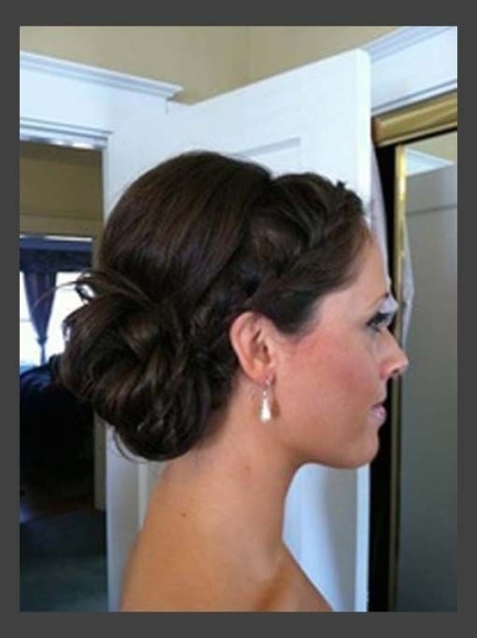 16 Pretty And Chic Updos For Medium Length Hair   Pretty Designs With Regard To Luxury Wedding Updos For Medium Length Hair Kls7