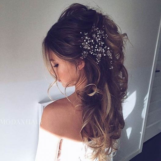 28 Trendy Wedding Hairstyles For Chic Brides   Stayglam Within New Big Wedding Hair Sf8