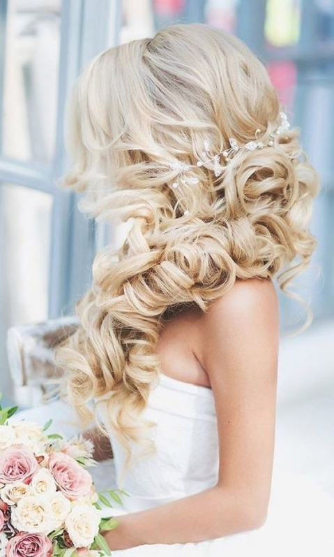 3 Wedding Hairstyles You Probably Haven't Considered–And Should Pertaining To Luxury Hair Styles Wedding Df9