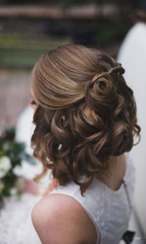 35 Modern Romantic Wedding Hairstyles For Short Hair Throughout Inspirational Short Hair Updo For Wedding Sf8